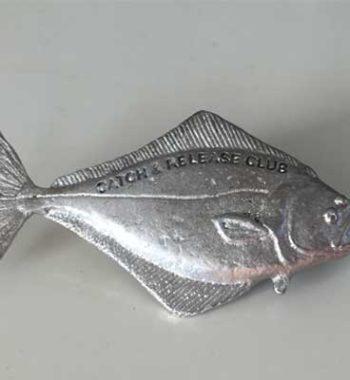 catch and reelese hälleflundra pin örjansfiske arcticart