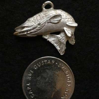 Hoppande gädda smycke articart örjans fiske