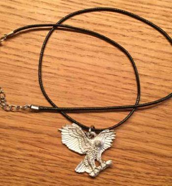 halsband flygande örn tennsmycke arcticart arcticarts articart